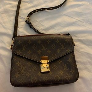 Authentic Louis Vuitton Monogram Pochette Métis